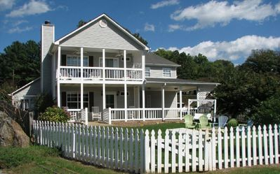 Beautiful Waterside Cottage - Your perfect vacation retreat!