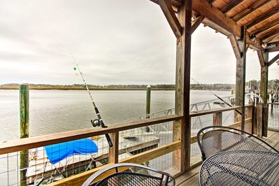 Experience a relaxing southern retreat  at 'Half Moon' vacation rental house!