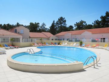 Lovely Apartment In St. Hilaire   De   Riez, Vendee   4 Persons, 2