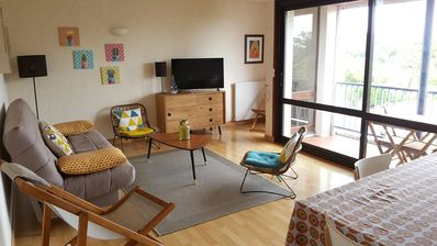 Photo for Spacious apartment classified *** at 150 m from the ocean, sea view and pine forest