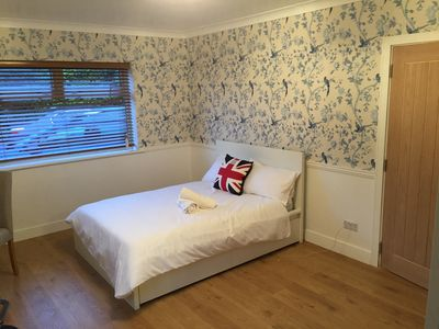 Photo for Exellent Accomodation for Heathrow LHR Airport Travelers. Free bus to Terminals!