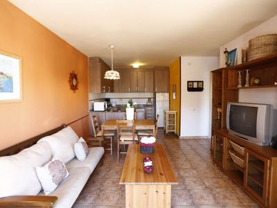 Photo for 2 bedroom Villa, sleeps 4 in Riumar with Pool and Air Con