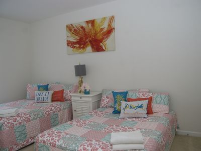 Photo for PARADISE 3 / 3 Bed-2bath/ Walk Convention Center/ 9m Universal/15min Disney.