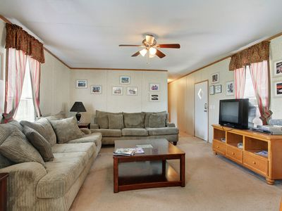 Photo for KINGFISH LODGE - PRIVATE MAINTAINED 3 BEDROOM 2 BATHROOM PRIVATE RENTAL