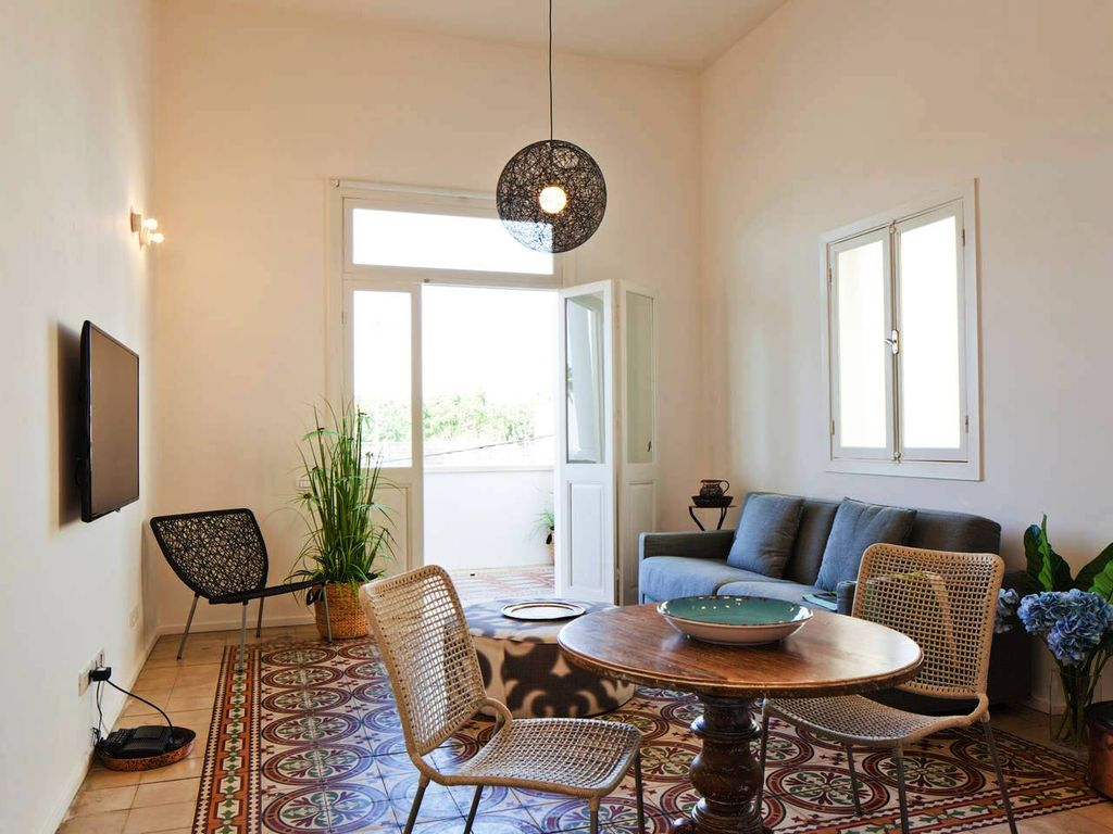 Renovated authentic apartment, steps from the nicest beach in Tel ...