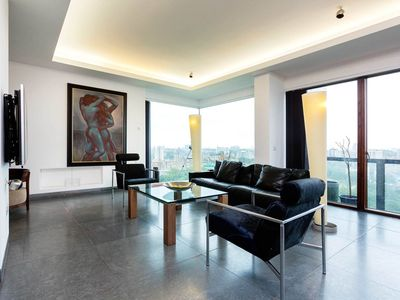 Photo for Bright Impressive 2BR 10th Penthouse with London views in Hoxton, by Veeve