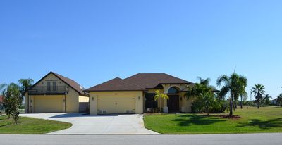 Photo for Stunning & Spacious 4 Bed/3 Bath With Heated Pool