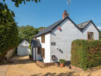 Photo for 4 bedroom Cottage in Sway - NFL94