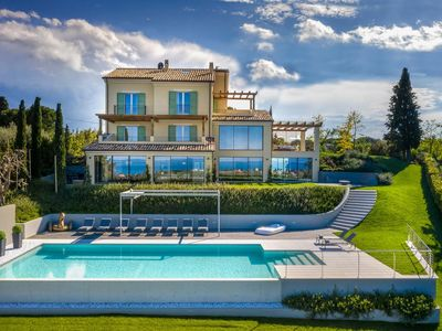 Photo for Luxurious 6 bedroom villa with sea views, Wi-Fi, A/C, Jacuzzi, Sauna and Gym.