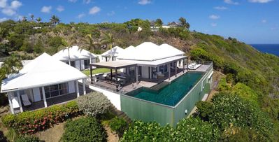 4 bedroom deluxe villa offers a view on Tortue Island and Marigot Bay