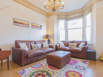 Traditional family home, sleeping 8, located in leafy Hampstead (Veeve)