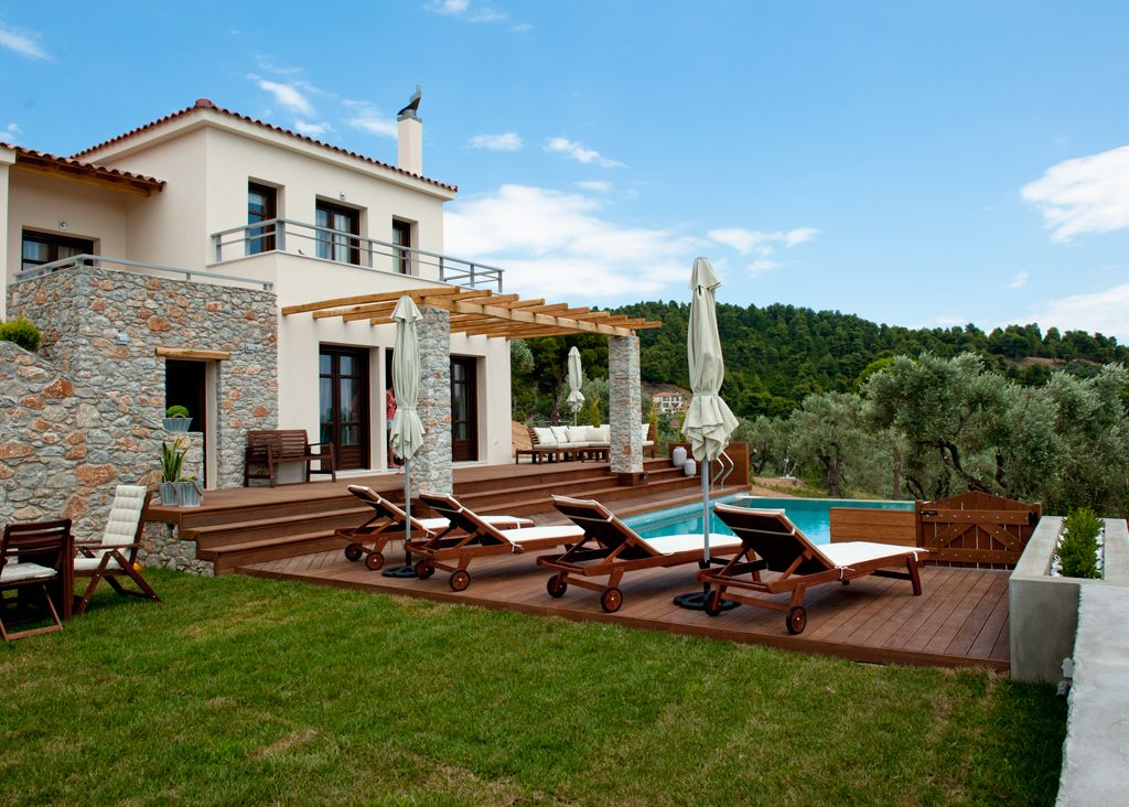Property in Skiathos inexpensive for permanent residence and go