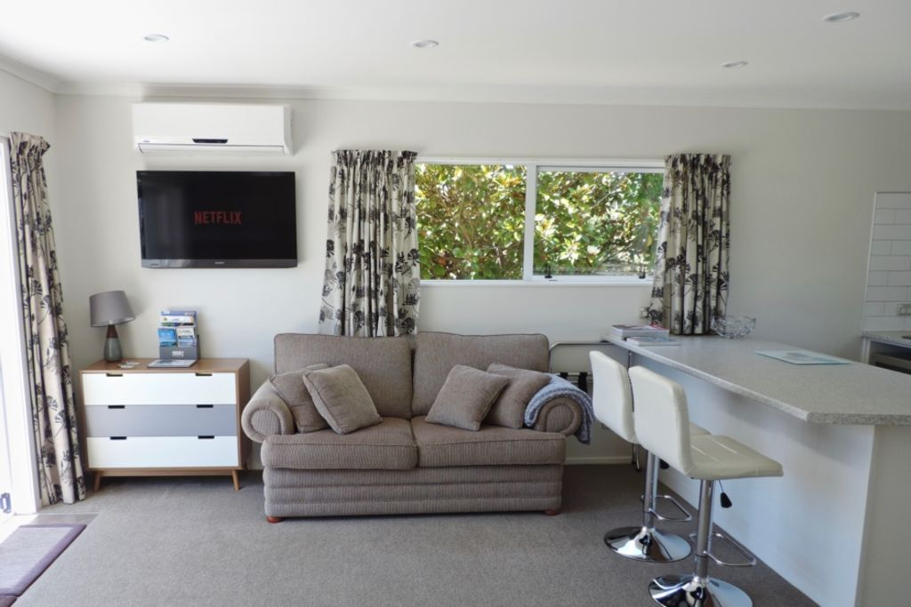 Tasmangreen Studio - Quiet Luxury (self contained)