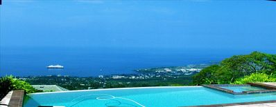 Photo for The Kona Grand Sky Villa : Paradise from the 'Top of the World'.