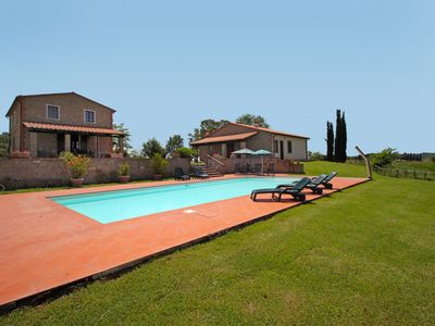 Photo for Stunning private villa with private pool, WIFI, TV, washing machine, pets allowed and parking