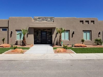 Large beautiful home in Sand Hollow Resort, close to Zion National Park.