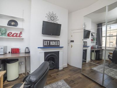 Photo for Bethnal Studio 12 apartment in Tower Hamlets with WiFi & shared terrace.