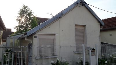 Photo for House with 1 bedroom, 1 veranda and a garage near the circuit of 24 hours