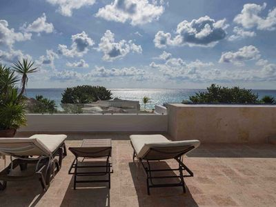 Photo for Unobstructed oceanview and oversized rooftop. Villa Hermosita