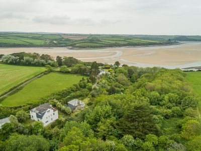 Photo for Schoopers is set amongst rolling green fields on the edge of the Camel Estuary.