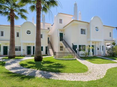 Photo for Apartment Jazz is a two bedroom penthouse with jacuzzi in the heart of Vale do Lobo, close to the Tennis Academy. Located just two minutes drive from Garrao beach with the famous Maria's restaurant.