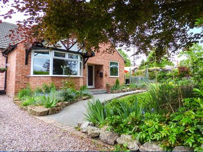 Photo for DRAGON'S DEN, with a garden in Chester, Ref 911874
