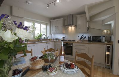Photo for Spring Cottage, one bedroom, two bathroom holiday property in Painswick.