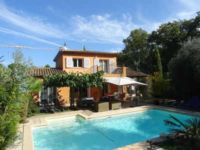 Photo for Quiet charming villa with pool and garden