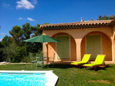 Photo for Independent apartment in villa with garden, swimming pool and private parking