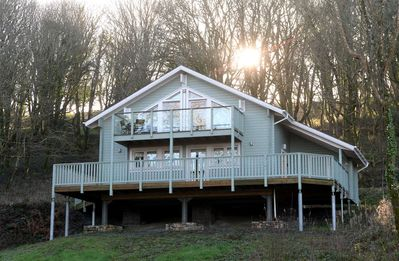 Photo for Luxury Woodland Lodge, Peaceful Location, Parking, Wifi, Golf Course Views