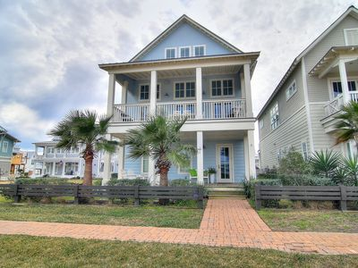 Photo for Five bedroom beach home with Gulf views across the street from the Dune Pool!