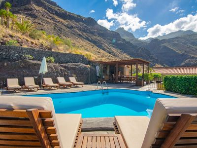 Photo for Large holiday cottage with pool in Agaete