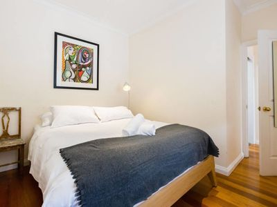 Photo for Kim, 2Bed Apt off Spencer St