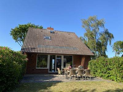 Photo for Sunny house with a huge south-facing terrace and garden for 5 people