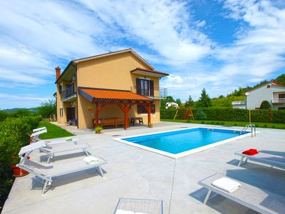 Photo for Holiday house Pazin for 9 - 10 persons with 4 bedrooms - Detached holiday house
