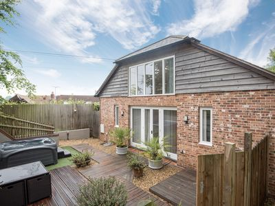 Photo for 4 bedroom accommodation in Owslebury, near Winchester
