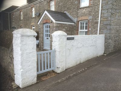 Photo for Beautiful stone cottage, 5 minutes walk to the sea.