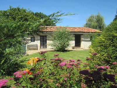 Photo for L'Ecurie - pretty 1 bedroom cottage with shared pool