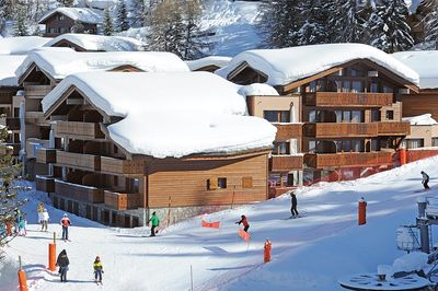 These self-catering apartments are located in Plagne 1800, and are in the centre of the resort.
