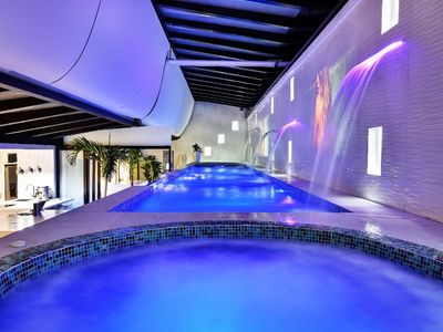 Photo for Parque Lleras Luxury 6 to 8br apartment with private pool and 2 jacuzzis