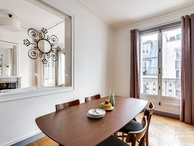 Photo for Magnificent 3-bedroom  in the heart of the glamorous Champs-Elysees
