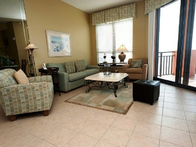 "Photo for 1102E-Reserved Covered Parking-55"" Smart TV-Penthouse Level high ceilings"