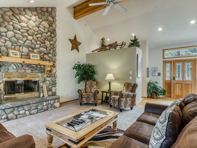 Photo for Spacious getaway w/ private hot tub & fun Ping-Pong table. Free SHARC access!