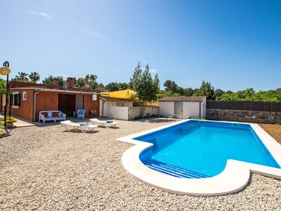 Photo for Cosy apartment for 6 guests with WIFI, private pool, TV, balcony and parking