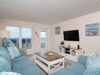 Edgewater 402 - Chic Condo, Fabulous Ocean Views from Private Balcony, Direct Ocean Access