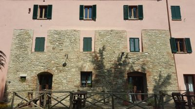 Photo for THREE-ROOM APARTMENT FOR 6 PEOPLE IN AGRITURISM BETWEEN GUBBIO AND PERUGIA