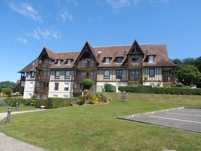 Photo for Residence Domaines des etoiles on the hills of Trouville