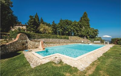 Photo for 8 bedroom accommodation in Cetona SI