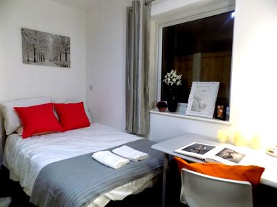 Photo for Comfortable homestay close to Uni