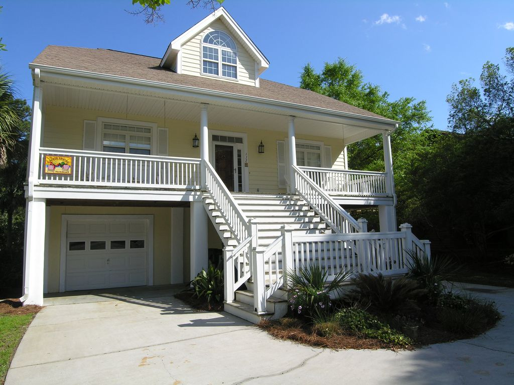Beach house with pool dog friendly 3 large porches easy for Large beach house